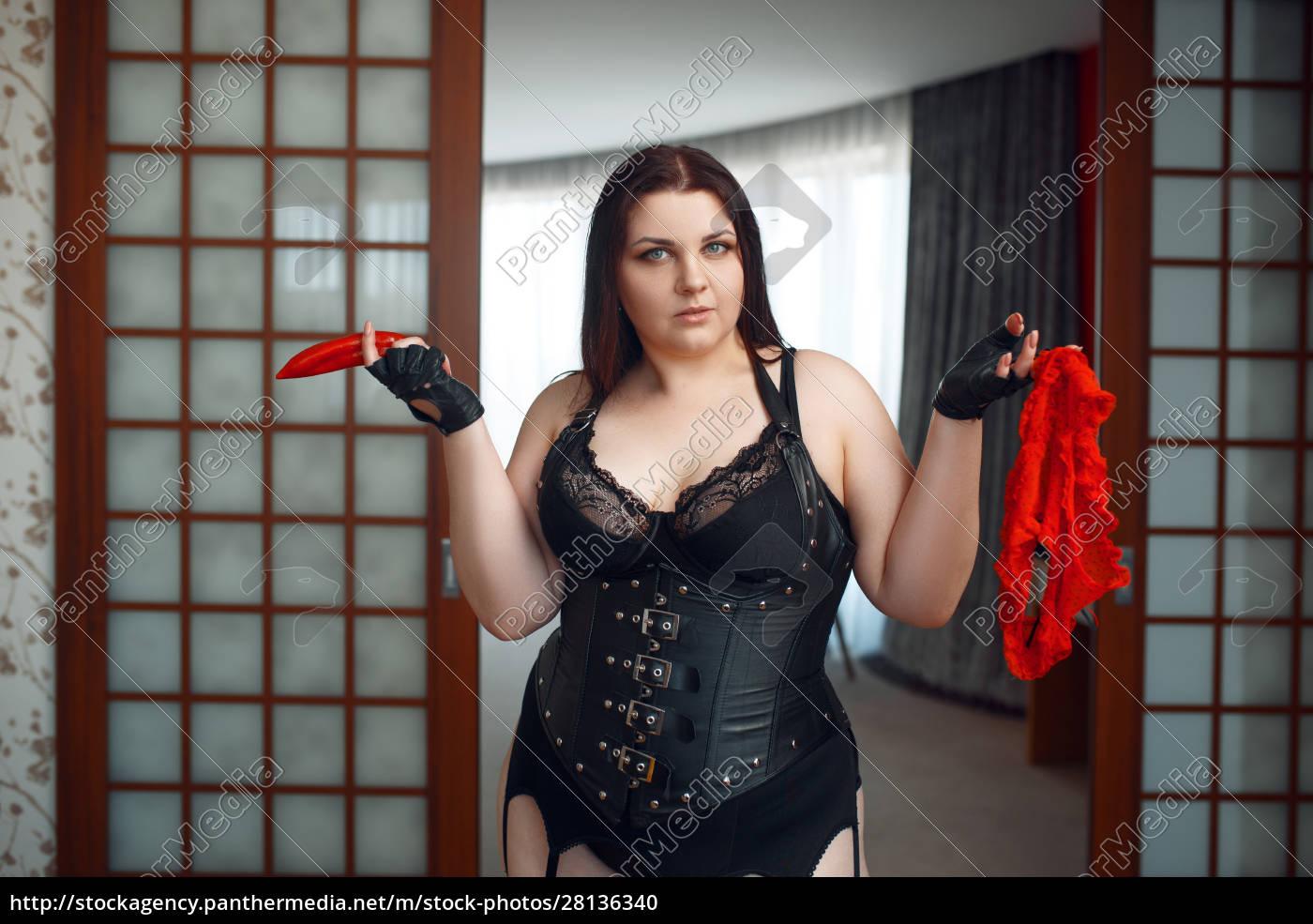 fett, perverse, frau, hält, roten, pfeffer - 28136340