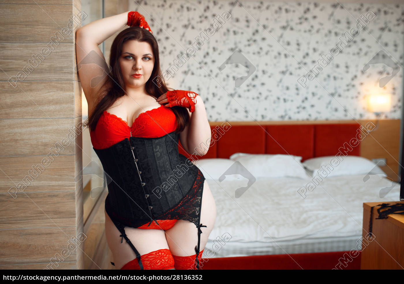 overweight, perverse, woman, poses, in, bedroom - 28136352