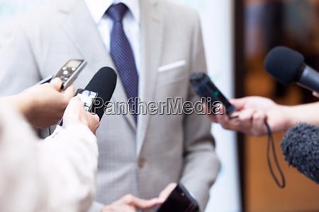 journalisten die eininterviews mit unkenntlich gemachten