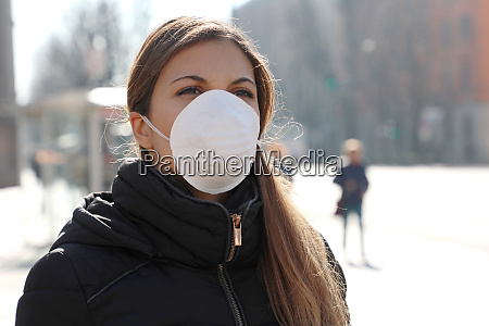 covid 19 woman wearing face mask