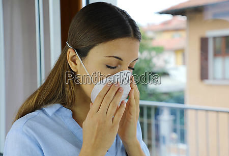 covid 19 pandemie coronavirus kranke frau