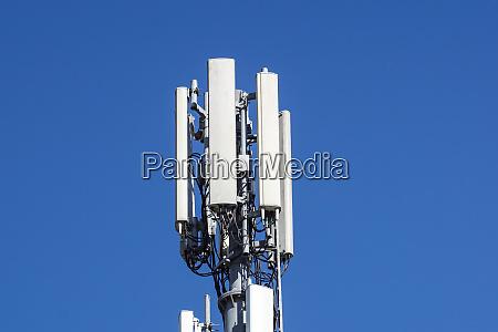 telekommunikationsturm von 4g und 5g mobilfunk
