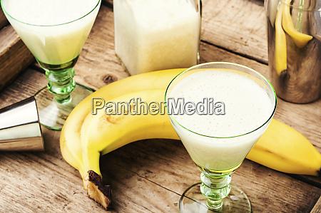 banana cocktail in glass