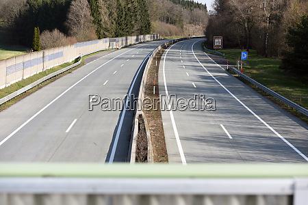 corona krise fast leerautobahn a1