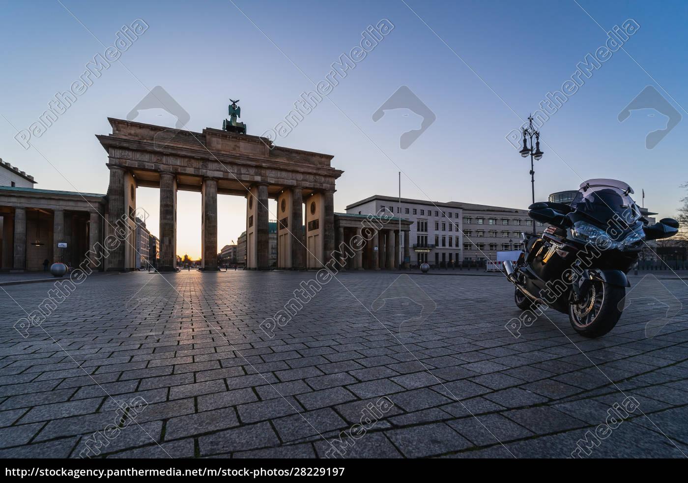 berlin, -, 22., mÄrz, 2020:, pariser - 28229197