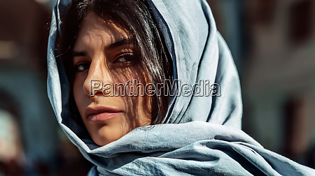 wunderschoene arabische maedchen