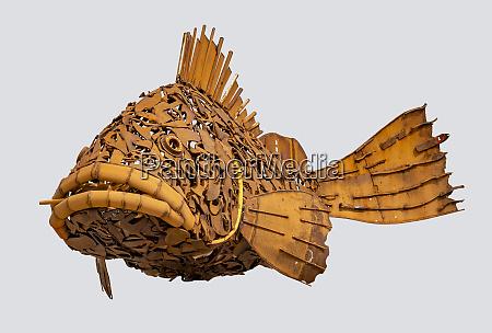 rostige fisch skulptur