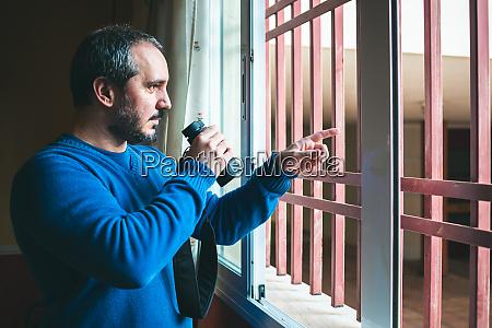 untersuchung geheim detektiv verstecken nachbarschaft privatsphaere