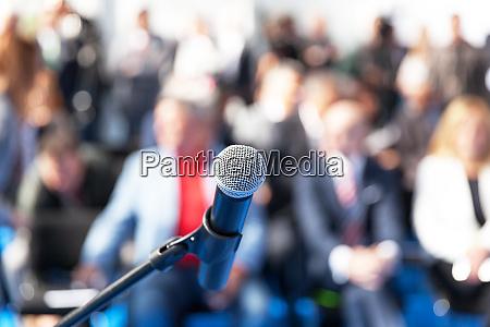 geschaeftspraesentation oder firmenkonferenz