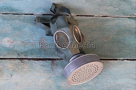 eine alte gasmaske aus dem zweiten