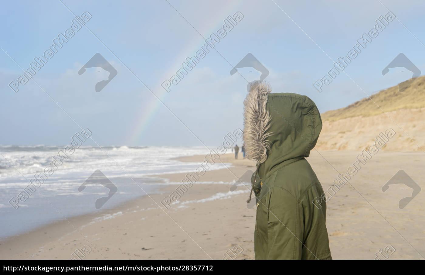 sea, with, a, rainbow, on, the - 28357712