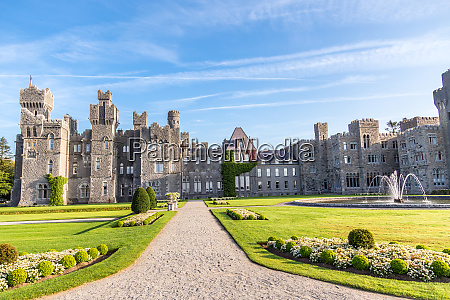 ashford castle eine mittelalterliche burg aus
