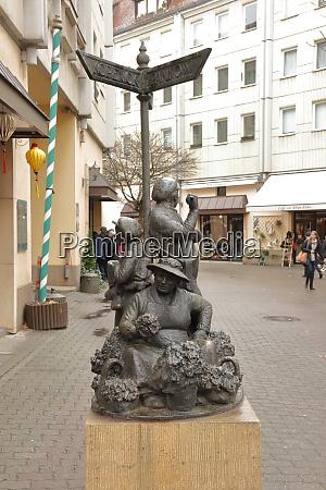deutschland berlin 03032019 fussgaengerzone am nussbaum
