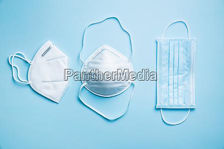 drei verschiedene schutzmasken coronavirus praevention