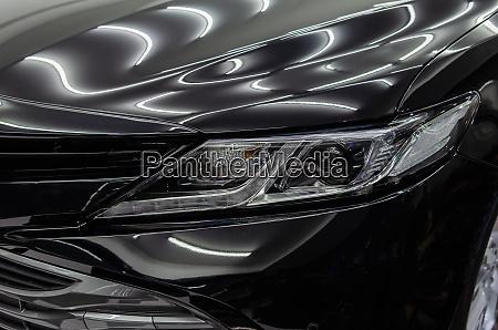 schwarzes auto mit glasbeschichtung