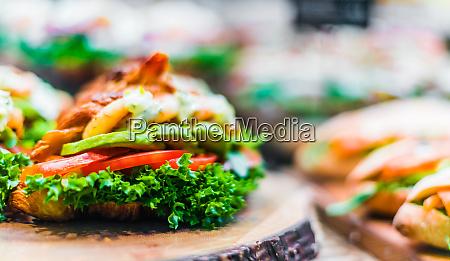 frisch zubereitete sandwiches in fast food