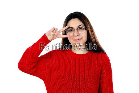bruenette maedchen mit brille