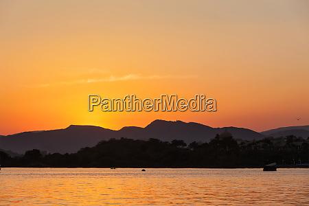 lake, pichola., udaipur, rajasthan, indien - 28467390