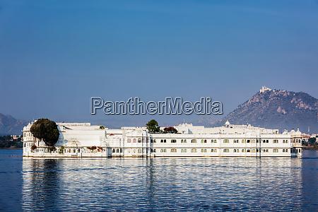 lake palace jag niwas luxushotel in