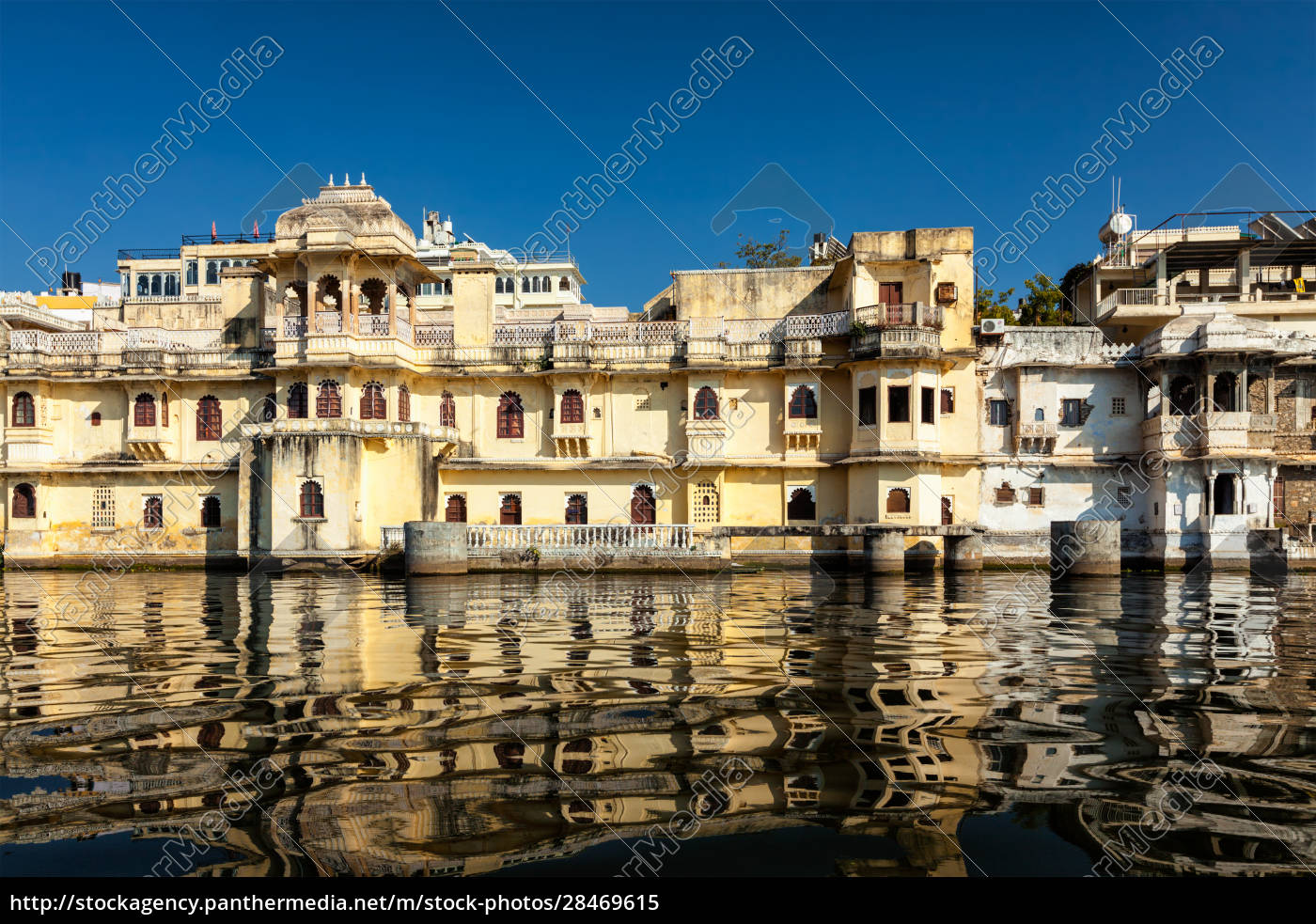 city, palace, am, lake, pichola, udaipur, rajasthan, indien - 28469615
