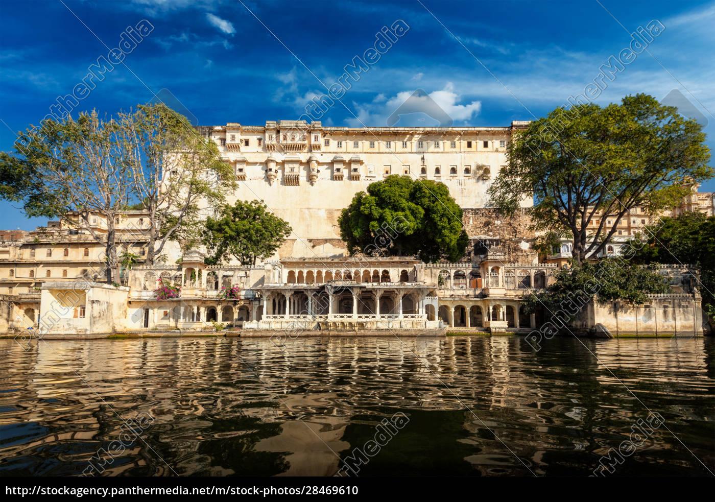 stadtpalast-komplex., udaipur, rajasthan, indien - 28469610