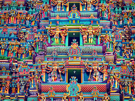 skulpturen, auf, dem, hinduistischen, tempelturm - 28470533