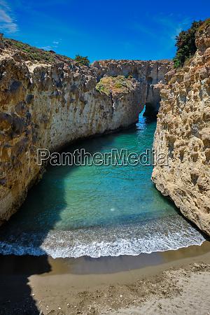 papafragas strand in milos griechenland