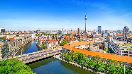 panoramablick auf das berliner stadtzentrum bei