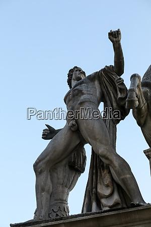 die fontana dei dioscuri in rom