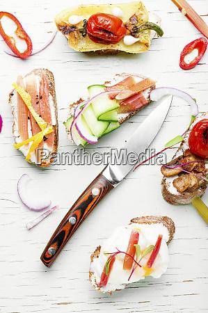 italienische bruschetta mit gemuese