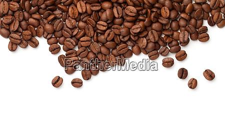 kaffeebohnen isoliert auf weissem hintergrund