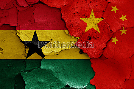 flaggen von ghana und china auf