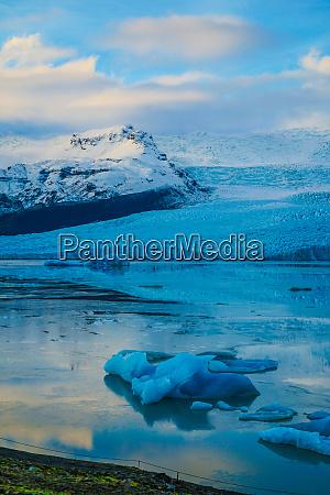 gletschersee island fjalls rellin