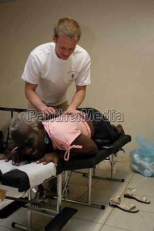 chiropraktik bei patienten