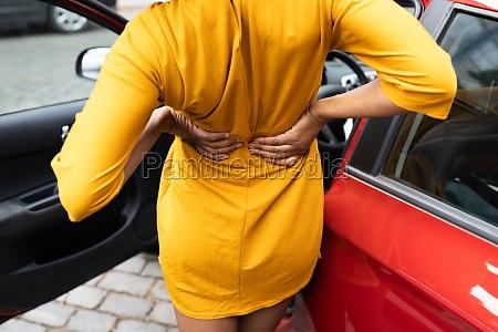 autofahren schmerz ruecken verletzung