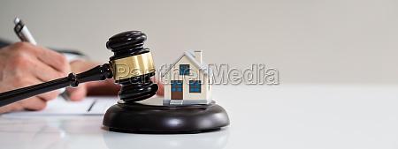 immobilienanwalt und hausabschottungsrecht