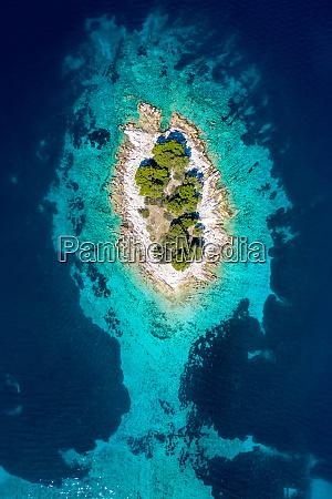 aerial, view, of, otocic, krbelica, island - 28600239