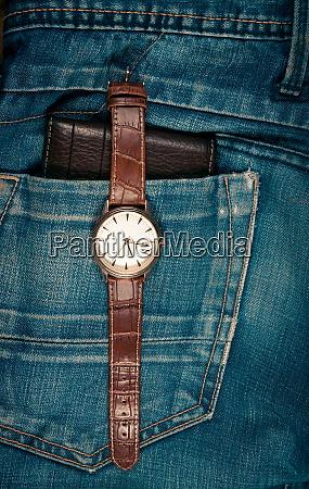 geschaeftsgegenstaende und jeans