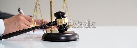 scheidung scourt richter oder anwalt