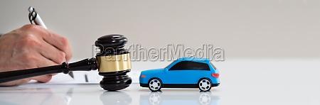kfz unfall haftpflichtversicherung rechtsanwalt