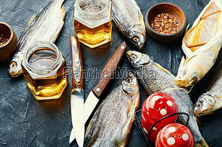 sonnengetrockneter fisch