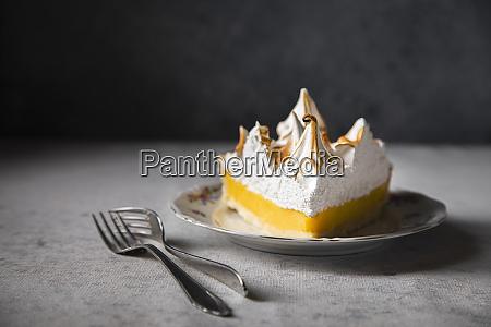 scheibe zitronen meringue kuchen