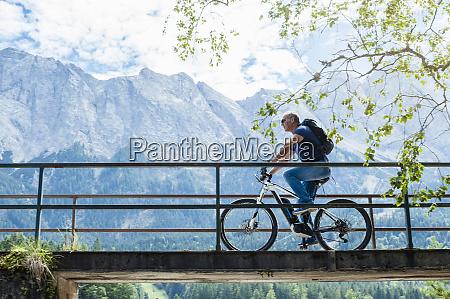 senior mit e bike