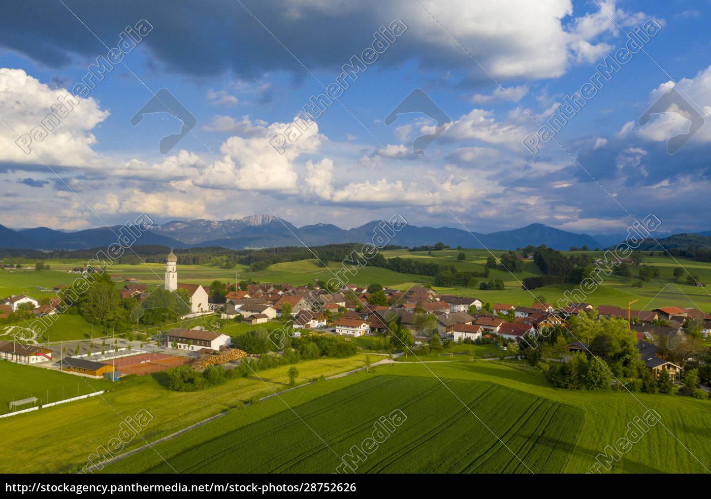 deutschland, bayern, oberbayern, antdorf, mit, benediktenwand, in, der, ferne - 28752626