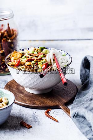 veganer kung pao mit tofu paprika