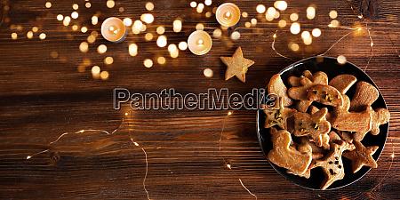 leckgebackene weihnachtsplaetzchen