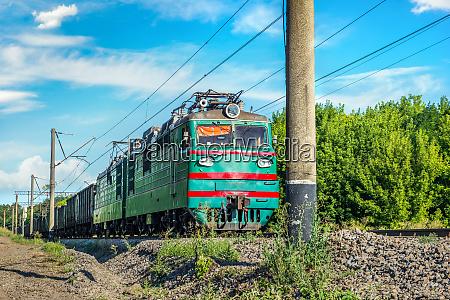 ukrainischer, güterzug - 28803418