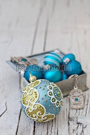 blau tuerkis weihnachtsschmuck in box