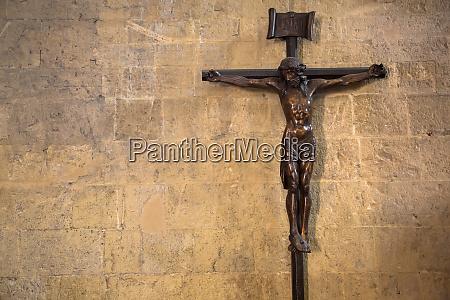 kruzifix mit jesus christus christliches symbol