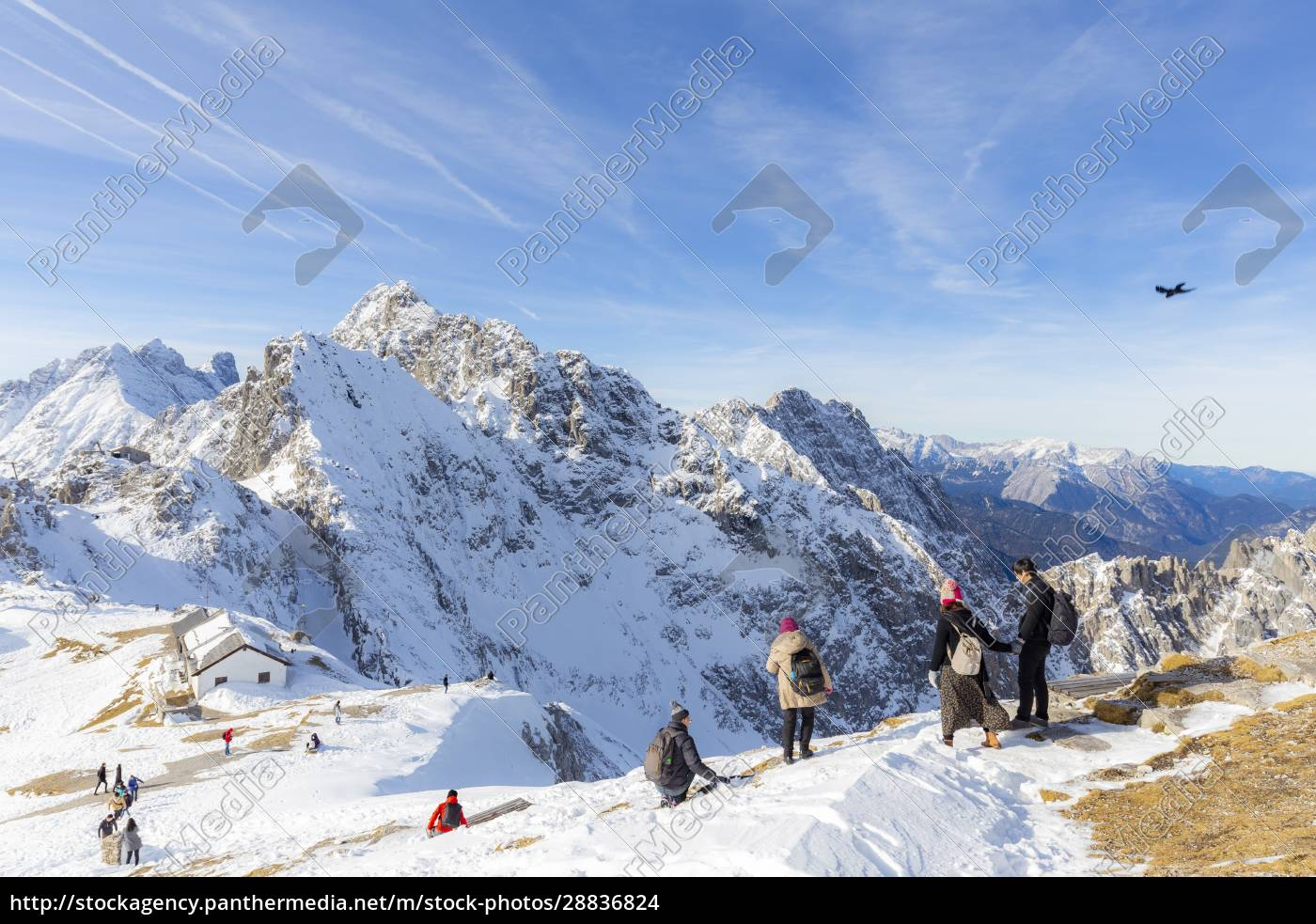 tourists, descends, from, hafelekar, peak, , the - 28836824
